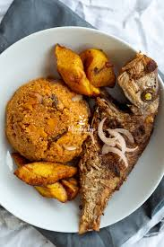 Gari Fotor with Grilled Red Fish/Fried Red Fish